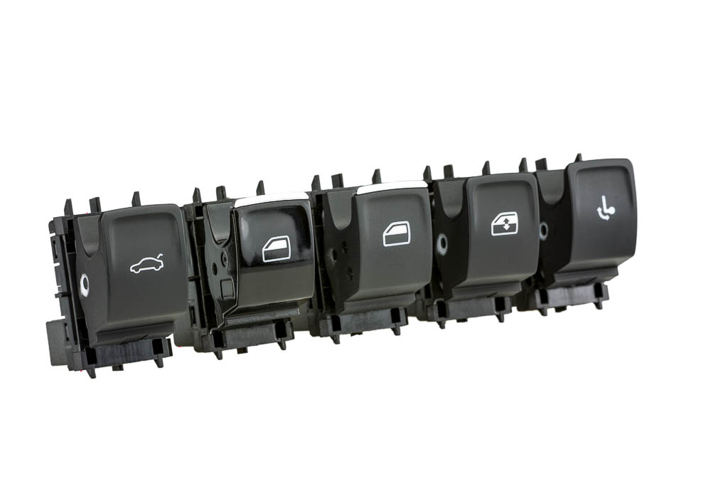 window winder switches and rocker switches, a product by helag-electronic Nagold, automotive supplier